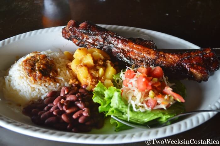 Cost of Traveling in Costa Rica | Local restaurants give big portions at inexpensive prices