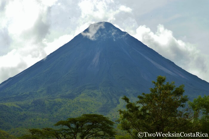 hiking arenal volcano without a guide