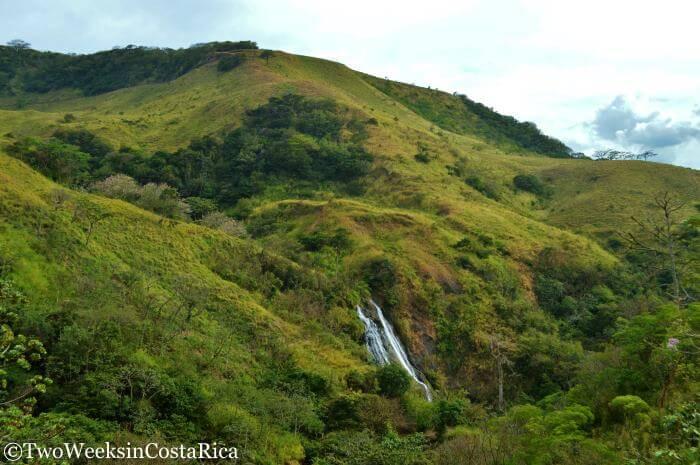 Viento Fresco Waterfalls: A Refreshing Stop Between La Fortuna and Monteverde